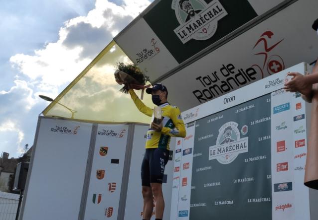 Rohan Dennis es el primer líder del Tour de Romandía.