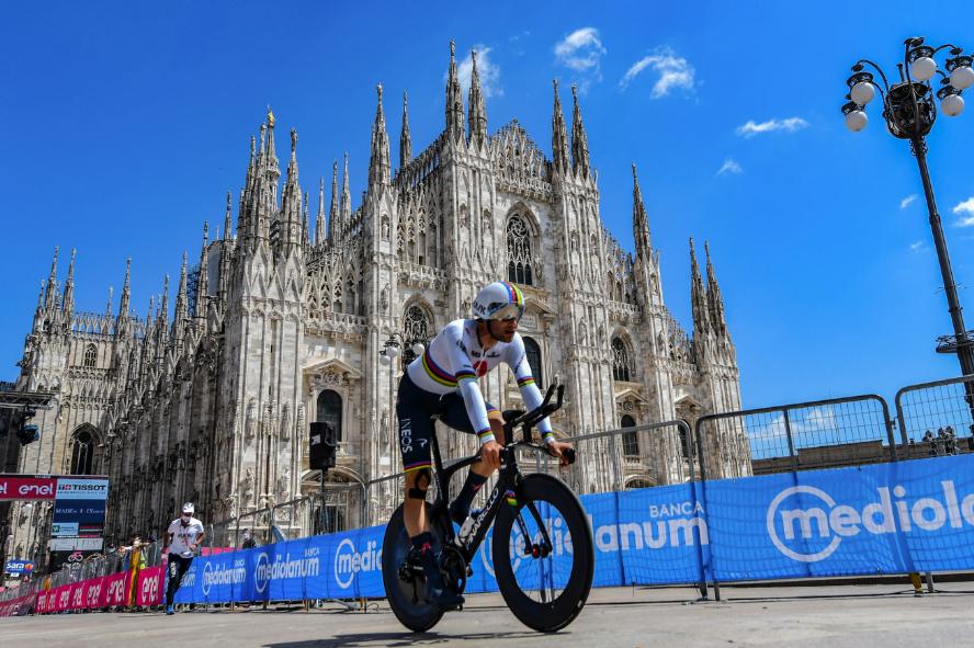 Filippo Ganna ganó la etapa 21 del Giro de Italia 2021.