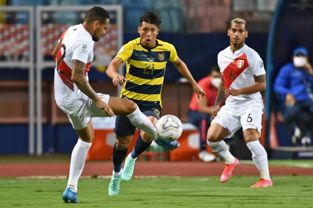 Selección Ecuador Perú AFP.