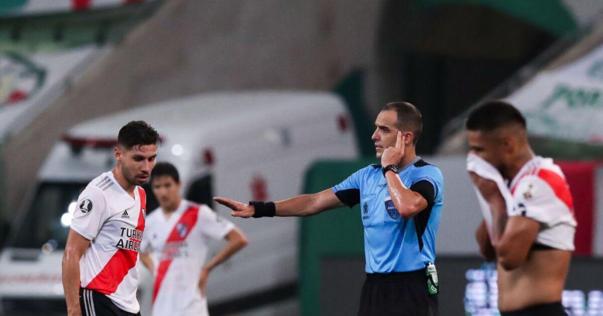 ¿Qué cobró Nicolás Gallo en el VAR en Palmeiras vs. River Plate? Conmebol reveló audios