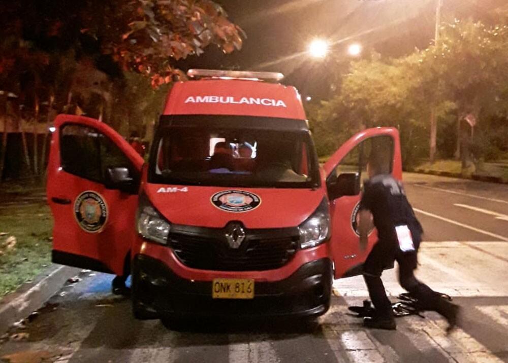 ambulancia robada durante tiroteo en cali.jpg