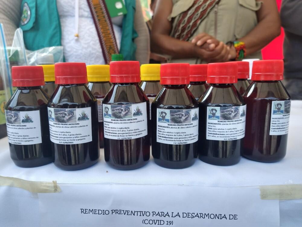 """""""Remedio preventivo para la desarmonía de COVID-19"""" promocionado por indígenas en Cauca"""