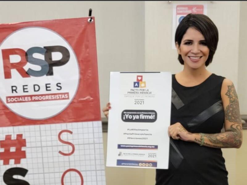 Rocío Pino, candidata en México que promete implantes de senos gratis