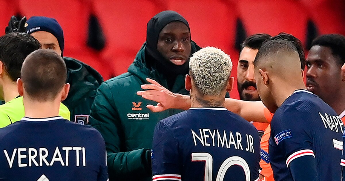 El Gobierno francés felicitó a los jugadores del PSG y Estambul por la reacción ante racismo