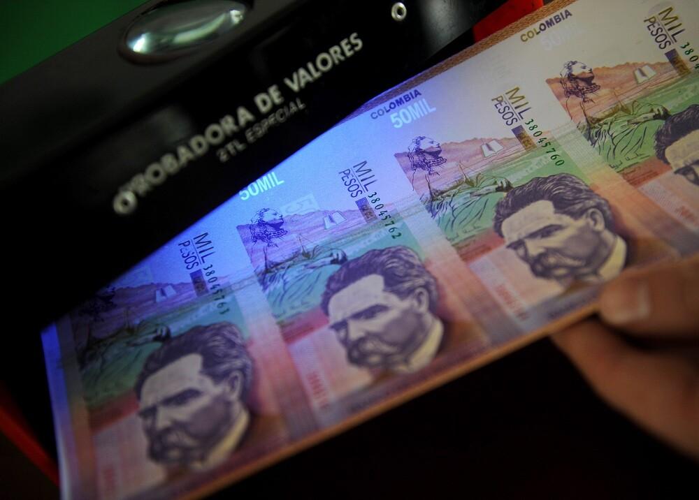 Dinero colombiano - Foto AFP