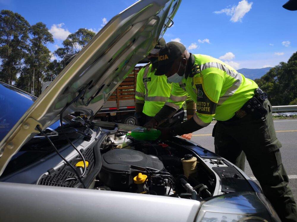 Controles de la Policía de Carreteras de Antioquia en los ejes viales del departamento..jpeg