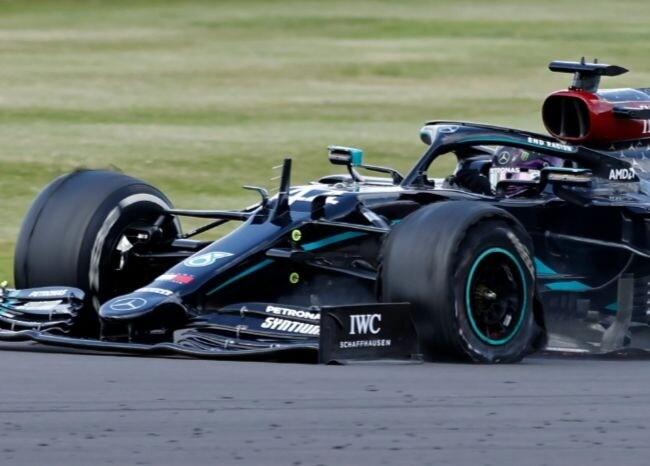 373031_Lewis Hamilton pinchado / AFP