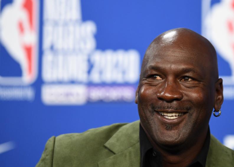 ¿Compraría calzoncillos usados? Ponen a la venta ropa interior de Michael Jordan