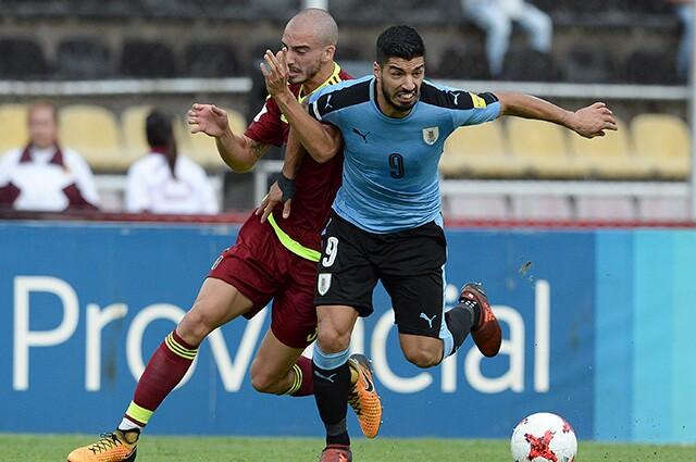 Luis Suárez, figura de Uruguay contra Venezuela