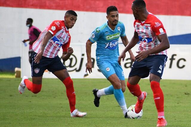 Jaguares contra Junior de Barranquilla, en la liga colombiana