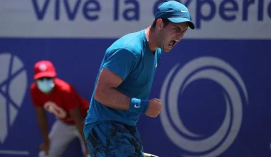 Nicolás Mejía clasificó a cuartos de final del Challenger de Salinas.