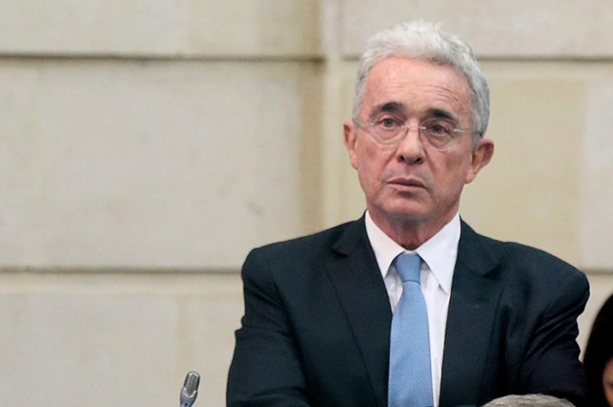 Juzgado no aplaza audiencia de preclusión en caso contra Álvaro Uribe