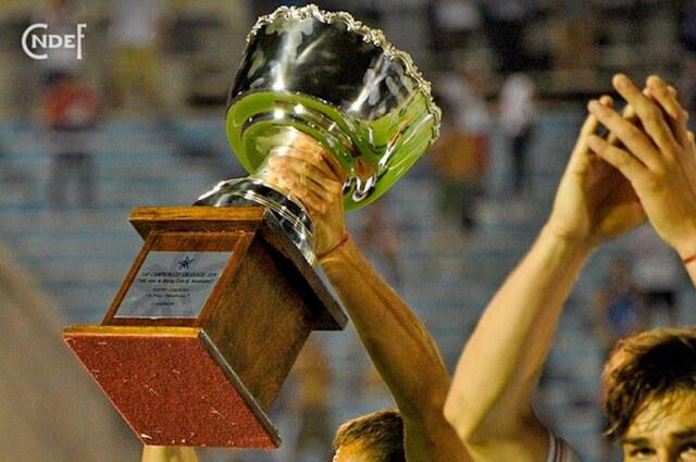 326974_trofeouruguay121219nacionale.jpg