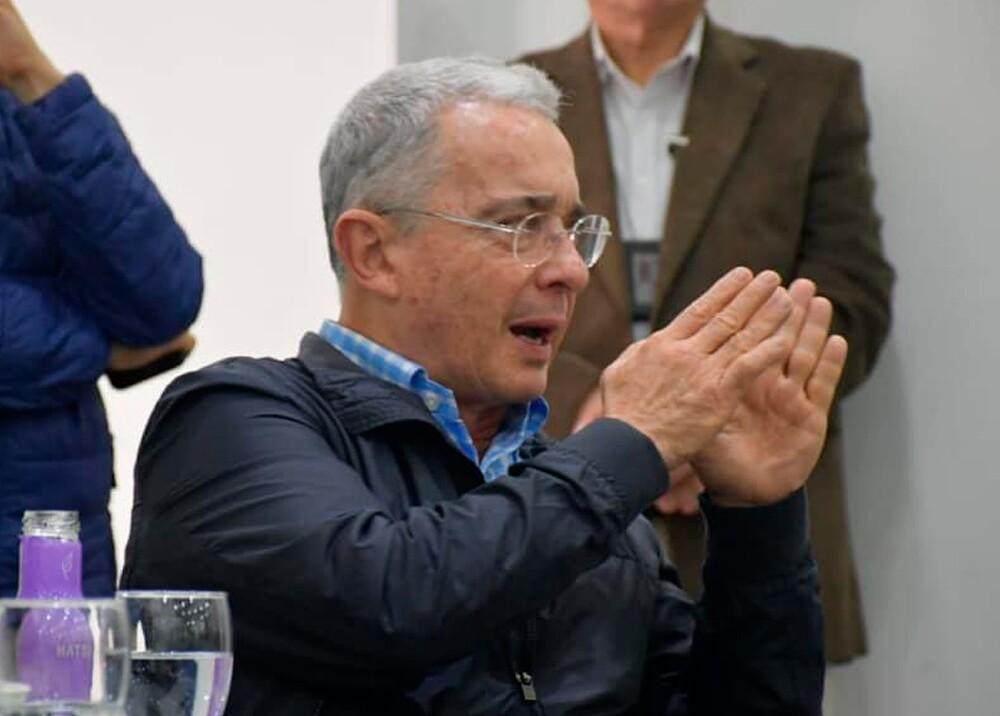 345213_Álvaro Uribe Vélez // Foto: Facebook Álvaro Uribe Vélez