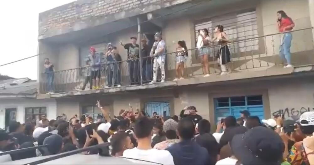 Rapero ocasiona aglomeración en Cauca.