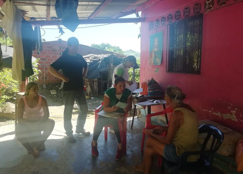 340217_BLU Radio. Regresan familias a Puerto Valdivia / Foto: EPM