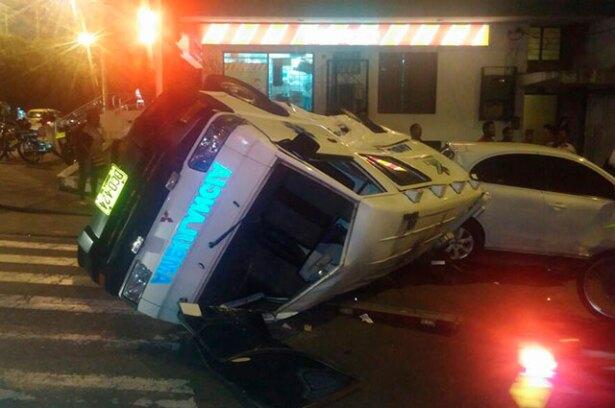 accidente-ambulancia-mancha-amarilla.jpg