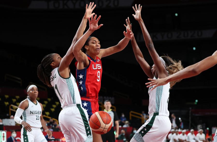 Estados Unidos derrotó a Nigeria en el baloncesto femenino de los Juegos Olímpicos Tokio 2020.