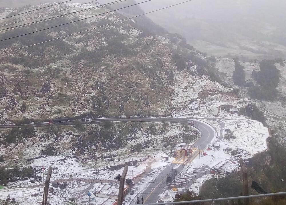 345537_BLU Radio. Granizada que parecía nieve en Santander / Foto: suministradas