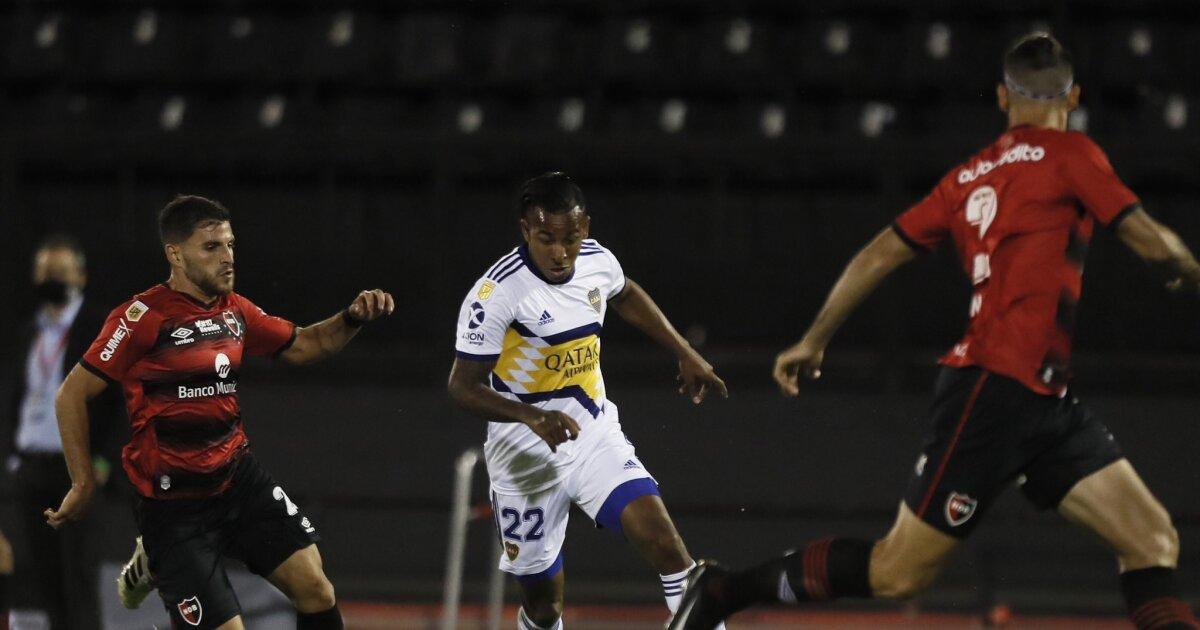 Con Sebastián Villa en la titular, Boca Juniors venció 0-2 a Newell's y es líder de su grupo