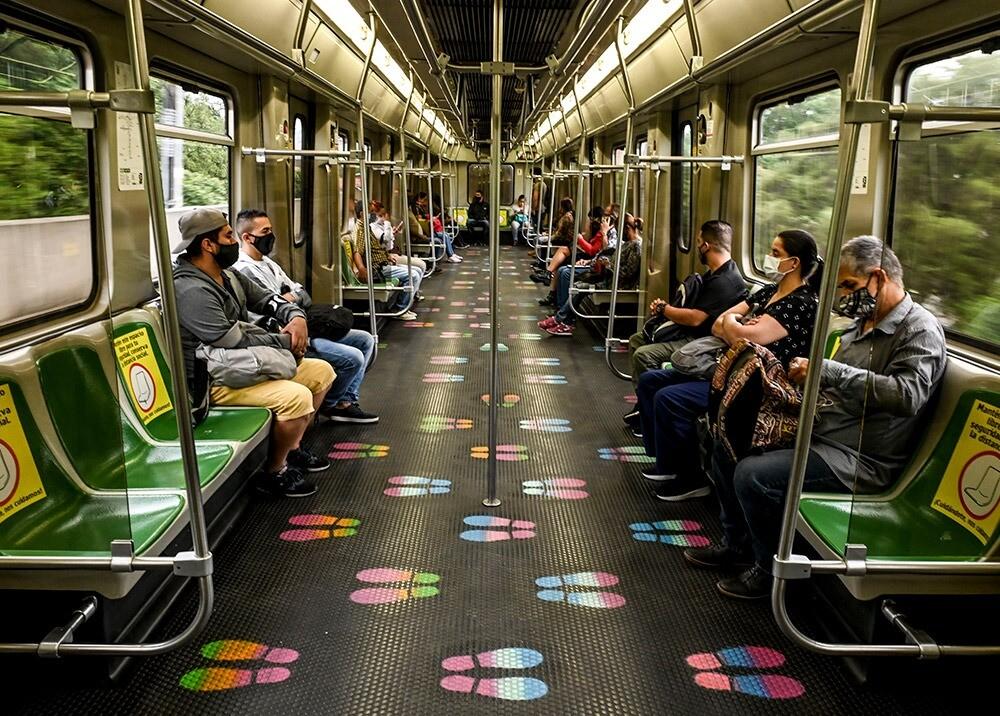 372835_Metro de Medellín durante la pandemia // Foto: AFP, imagen de referencia