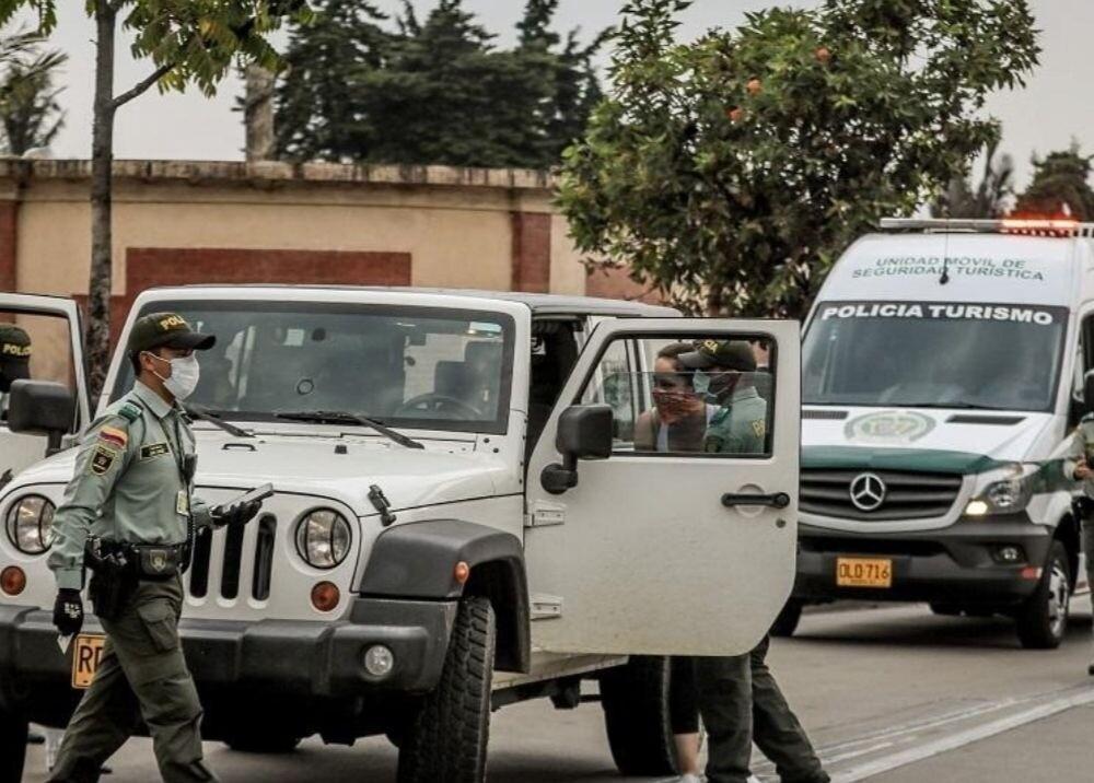 371700_No es obligatorio usar tapabocas cuando va solo en un carro en Bogotá - FOTO: Consejería de Comunicaciones
