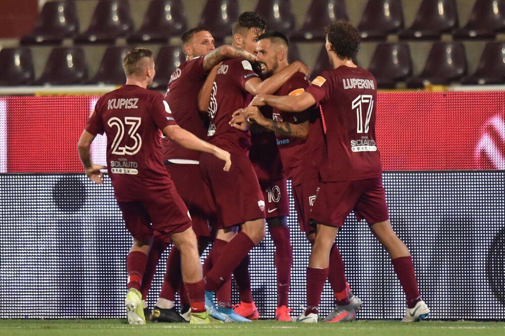 Trapani Calcio v FC Crotone - Serie B
