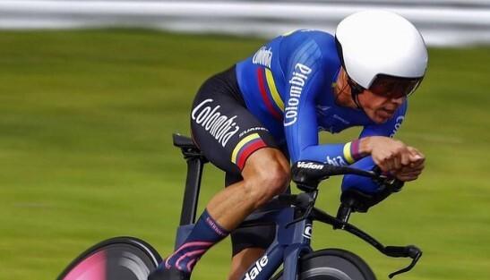 Ciclista Rigoberto Urán en contrarreloj de los Juegos Olímpicos Tokyo 2020