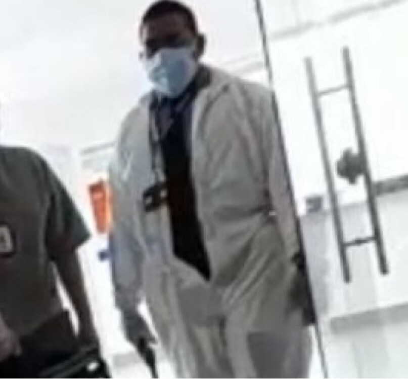 Vigilante amenaza paramédico.jpg