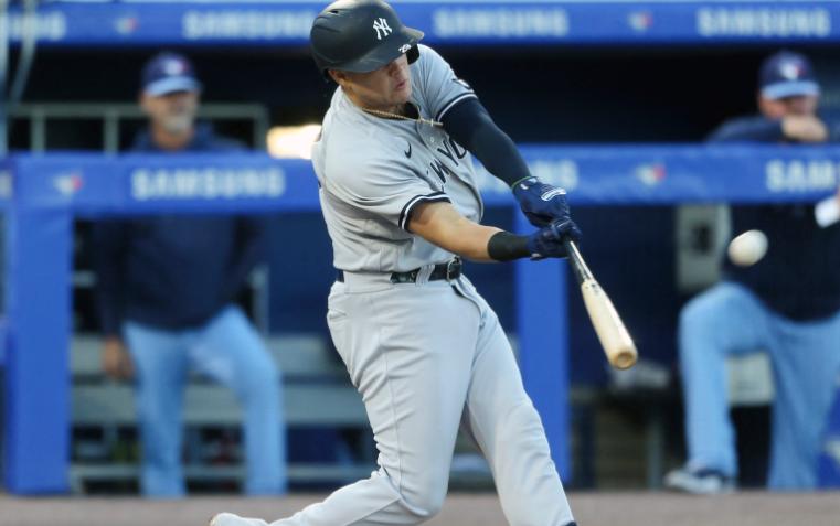 Gio Urshela fue figura de los Yankees frente a los Azulejos.