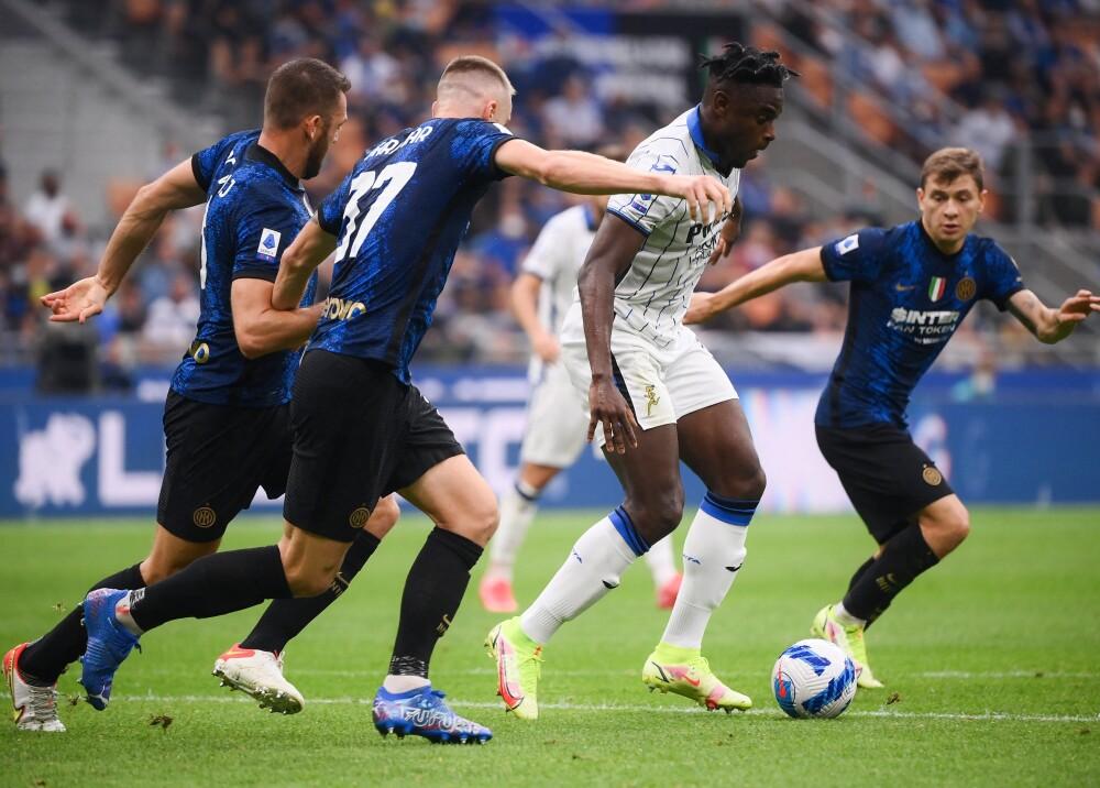 Duván Zapata ante el Inter de Milán Foto AFP.jpg