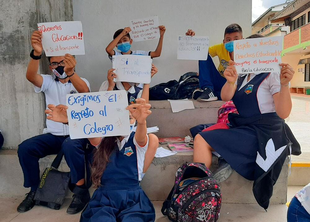 protesta colegio.jpg