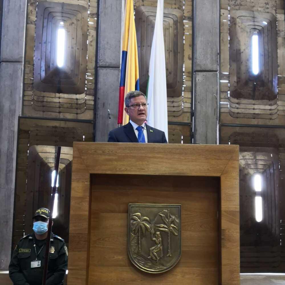 GOBERNADOR ENCARGADO LUIS FERNANDO SUÁREZ.jpeg