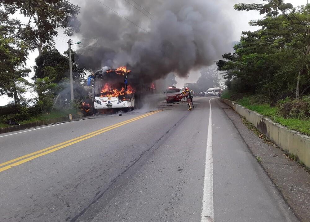 Incendio en bus de Copetrán